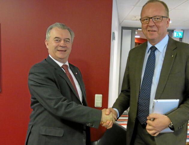 """""""Här är jag med förre Landsbygdsministern Sven Erik Bucht. Jag tror det var när han kom till LRF-huset första gången och jag hälsade på honom""""."""