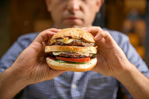 Sover du dåligt blir suget efter kaloririk mat större än om du sover normalt. Det visar ny forskning.