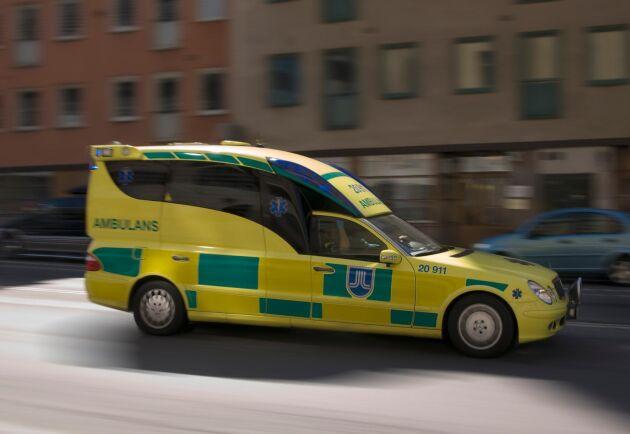 Tre personer fördes till sjukhus efter olyckan. Arkivbild.