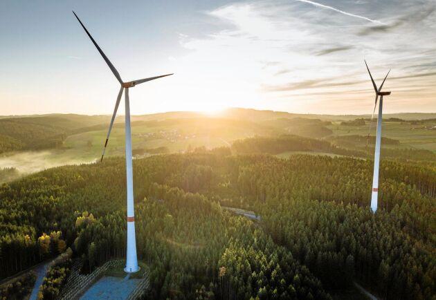 Energikooperativ ska ha i huvudsak samma ekonomiska förutsättningar som privatpersoner, anser debattörerna.