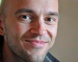 Robert Ilijason kommer att öppna en speciell variant av lanthandel i skånska Viken.