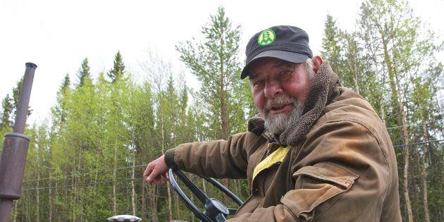 Läkare tvingar Åke avbryta traktorresa