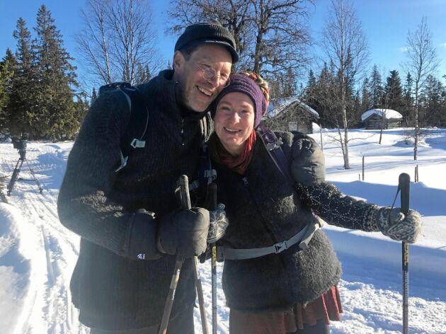 Utvilade efter en skön och behövlig semester i Italien, laddar Gustav och Marie Mandelmann för ett nytt år.