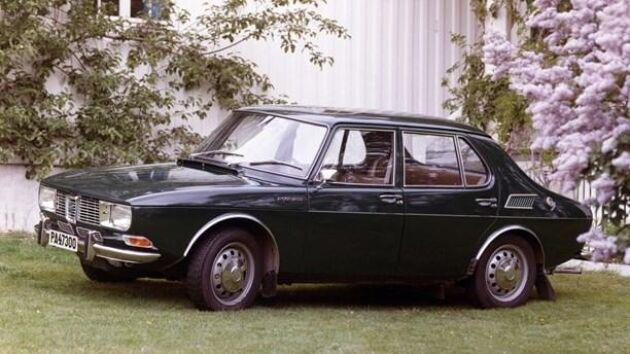 Även en Saab 99 4d 1971 äger mannen i Skåne som inte vill ha tillbaka sina tre veteranbilar från Trollhättan