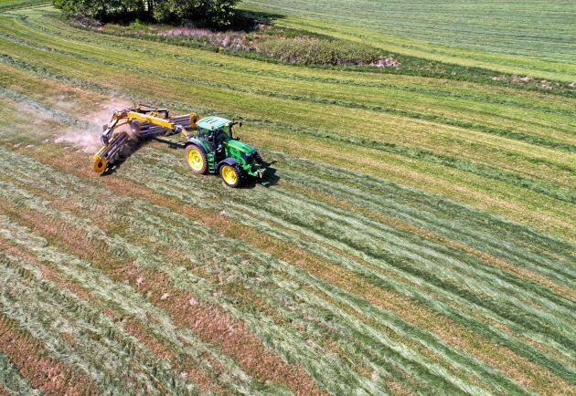 Det nationella stödet till norra Sverige och kompensationsstödet varierar beroende på var i landet jordbruket finns.