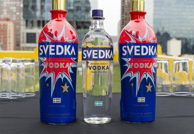 Lantmännens vodka, Svedka, har blivit en succé bland annat i USA, men enligt Livsmedelsverket får den inte marknadsföras som svensk vodka.