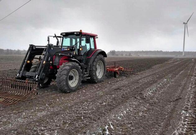 Även på Gotland inleddes 2019 med jordbearbetning.