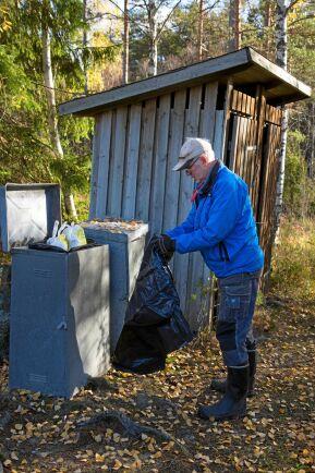 Att ta hand om sopor och dass är nödvändigt, fast inte så roligt. Men inte minst naturupplevelserna väger upp för detta.