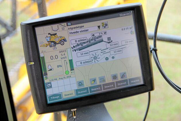 Körskärmen i New Holland CR med Intellisense visar hur datorn ställt in tröskverket.