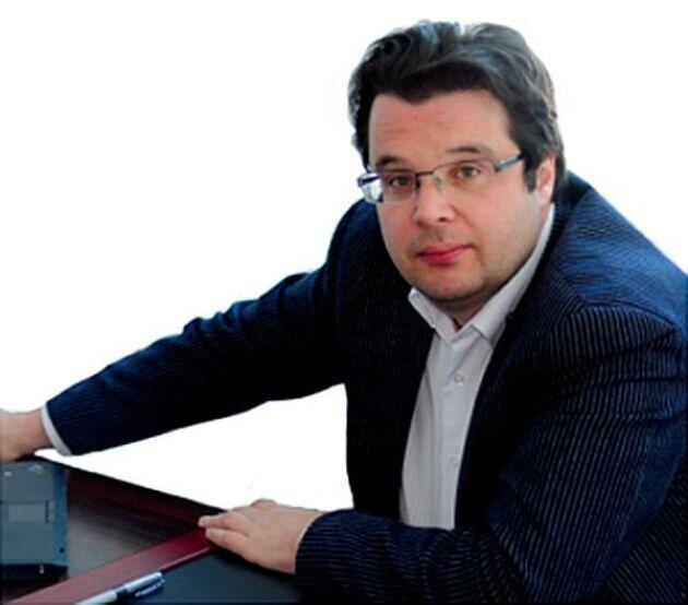 I affärsdatabasen Spark/Interfax framgår att Arla Foods ryske VD Michail Ljasko dessutom är VD för ett annat stort ryskt bolag, Artis Detskoe-Pitanie, samt delägare i ytterligare några bolag.