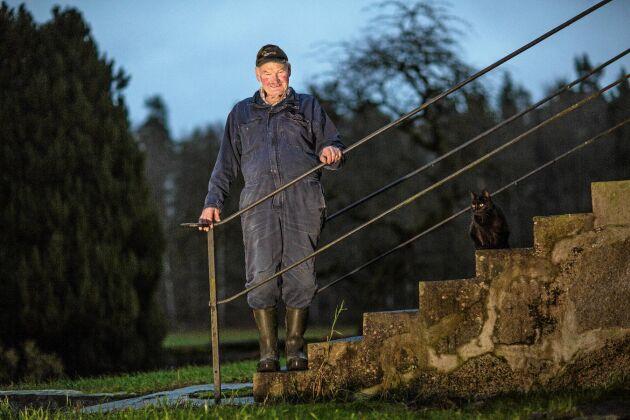 Ibland saknar Roland tiden när de bodde flera generationer på gården.
