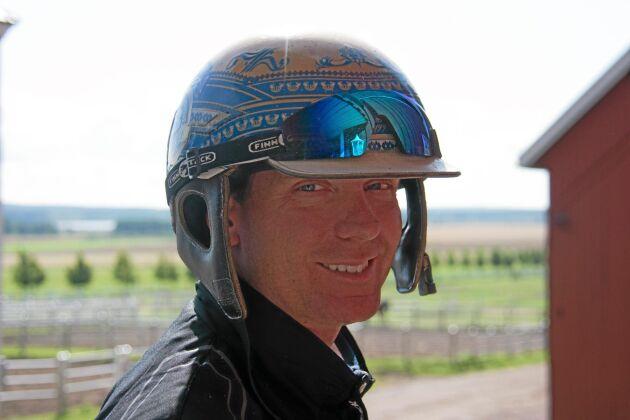 Mannen med guldhjälmen - Björn Goop som tidigare i sommar vann Elitloppet med Timoko.