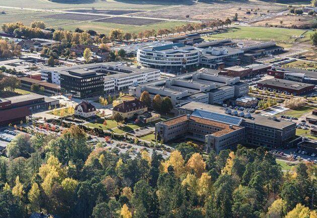 Flera tusen nya bostäder kan byggas på mark som i dag tillhör Ultuna. I höst ska SLU och Uppsala kommun försöka enas om hur stor areal som kan komma i fråga.