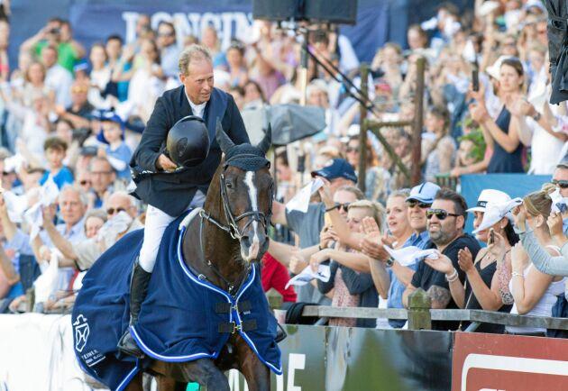 Rolf-Göran Bengtsson här på hästen Casall Ask på en tävling i Tyskland 2017.