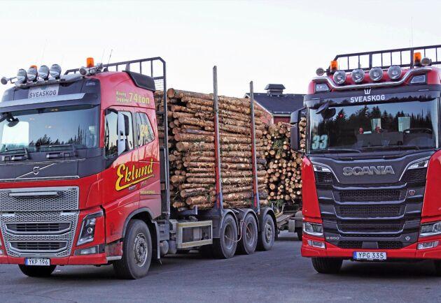 Lastbilar som kör med 74 tons lastvikt.