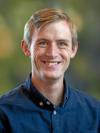 Oskar Gustavsson, forskare inom skogliga värdekedjor på Skogforsk.