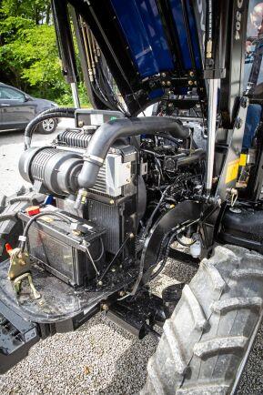 En motoreffekt under 50 hästkrafter gör att Lovol MT 504 duckar under kostsamma krav för avgasrening.