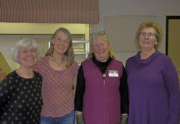 Ylva Örtengren, Halland, Kari Lewin, Torsby, Kerstin Karlsson, Kil och Susanne Andersson, Gåsborn var några av försäljarna vid Fårfesten i Kils råullsmarknad.