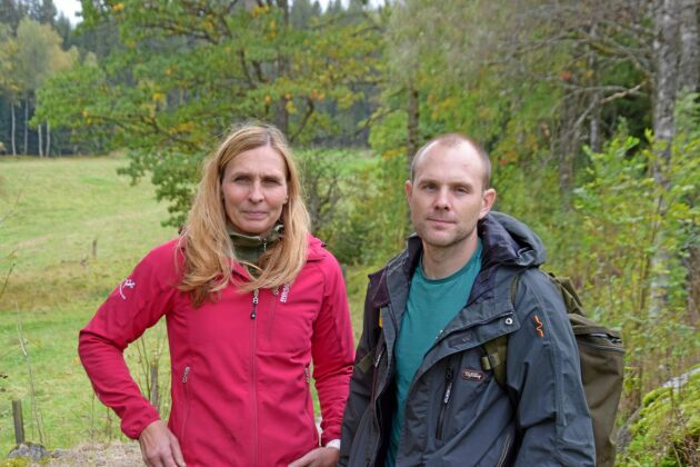 Annelie Virenheim och Ole Andréasson köpte skogen i Hampedal för fyra år sedan och har väntat länge på besked om hur de får avverka de 15 hektar som de sett ut för slutavverkning