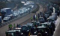 Protesterande lantbrukare stoppade trafiken i Spanien