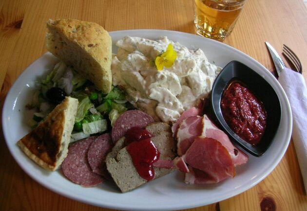 Finland inför krav på ursprungsmärkning av kött på restaurang i maj.