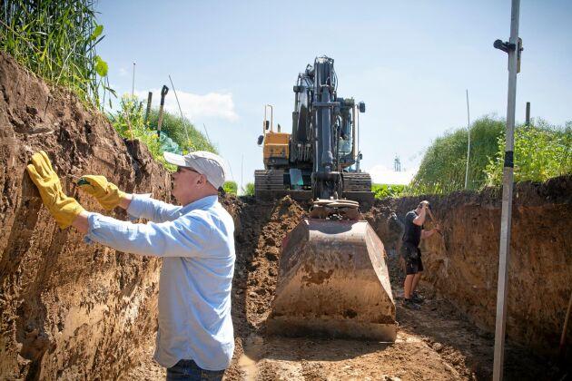 Både grävmaskin och kniv krävs för att färdigställa Gropen, Jens Blomqvist hade fullt upp med att preparera väggarna.