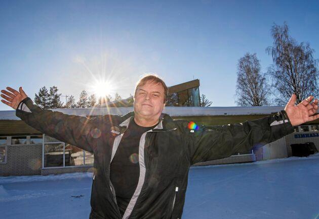Restaurang, bowlingbana, hotell och hjälp till företagare. Det är några av Örjan Berglunds förverkligade projekt i västerbottniska byn Jörn. Nu har Lands läsare röstat fram honom till favorit.