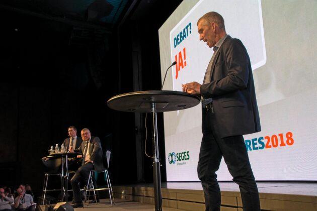 Peter Kjær Knudsen tillhör de tunga producentnamnen inom dansk grisnäring och var en av de som begärde ordet på kongressen i Herning.