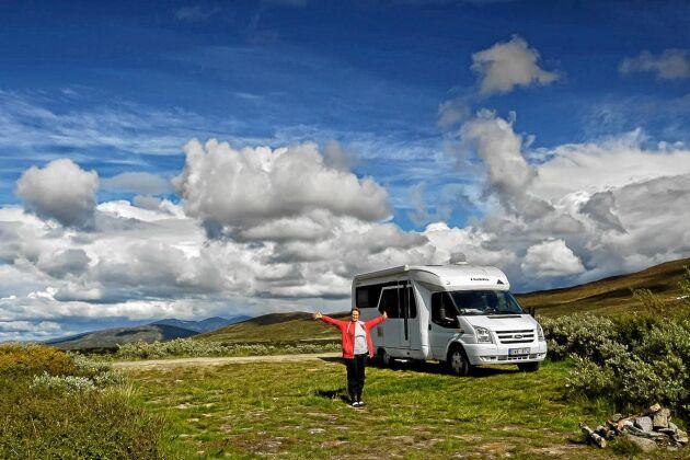 För sommarturisten väntar en hel del spännande länga Vildmarksvägen.