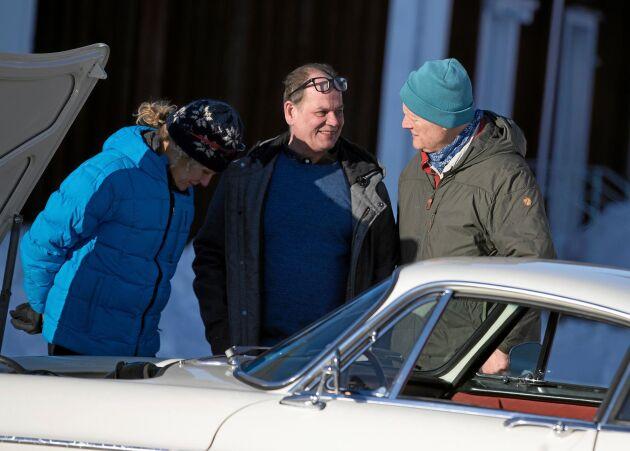Holländarna Anna Luten och Peter van Lieshoud stannade för att ta en titt på Björns pärla.