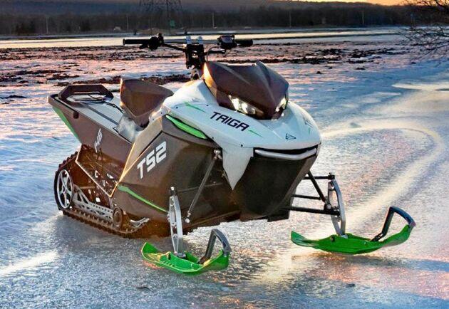 Den första serieproducerade eldrivna snöskotern Taiga TS2 kan köra 100 kilometer på en laddning. Men det går fort. 0 till 100 på tre sekunder.