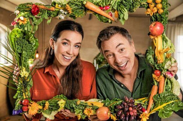 """""""Lyckomaten"""" är ett livsstilsprogram där kocken Tareq Taylor och personliga tränaren Sofia Ståhl ska hjälpa deltagare till sundare levnadsvanor i SVT."""