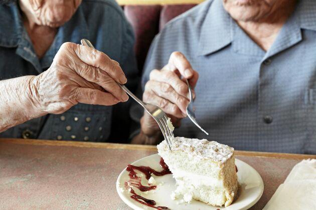 Aptiten kan dala med åldern men det finns knep för att få tillbaka matlusten – som att äta dessert.