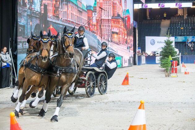 Fredrik Persson och hans fyrspann under tävlingen.