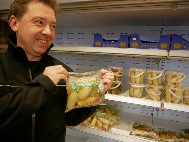 Vit gurka –en specialitet för Östergötland. Anders Larsson är VD för familjeföretaget Brinks gurkor.