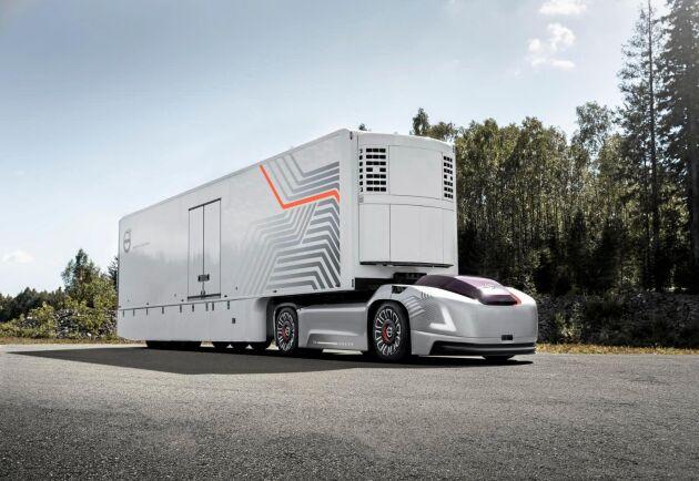 Volvo har testat en självkörande dragbil i en hamnterminal i Göteborg.