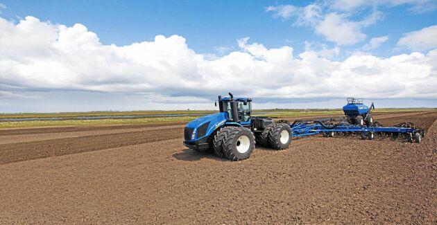 2. New Holland T9.700. 692 hästkrafter. Dragkraft 2 941 Nm. Motor FPT Cursor 13 tvåstegsturbo. Bränsletank 1817 liter. Maxvikt: 25 401 kilo.