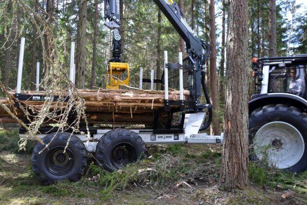 En helt ny skogsvagn, anpassad till Valtratraktorer, visas på Skogselmia i juni.