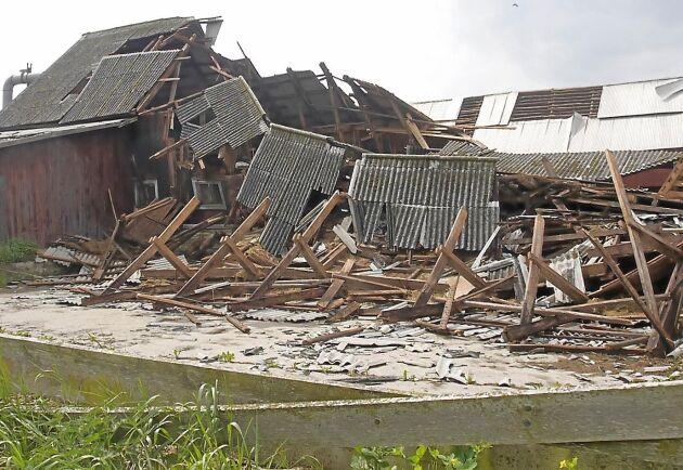 De gamla gårdsmiljöerna i Haltemåla raserades av det trombliknande ovädret.