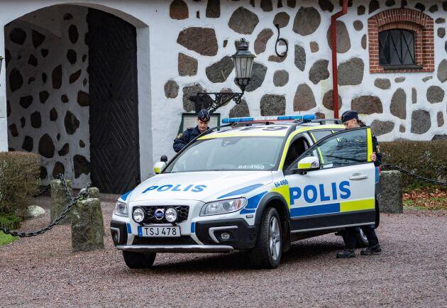 """I januari gick polisen ut med en varning för att rånarna som verkade ha riktat in sig på mot äldre boende på avsides belägna gårdar på Söderslätt och Österlen kunde uppfattas som """"aggressiva och envetna i sitt sätt""""."""