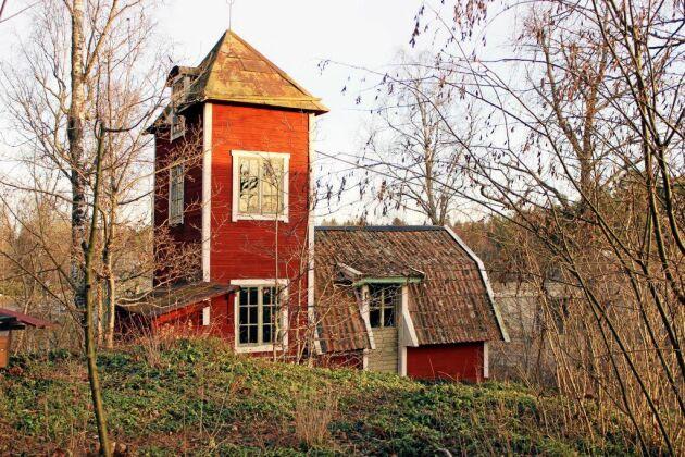 Byggnadsvård i praktiken på bloggen Ruckel och rödfärg.