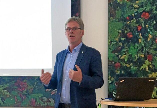 Ingemar Olsson, ordförande i Sveriges Grisföretagare, betonade vikten av att konsumenterna förstår orsakerna till högre pris på köttet i butiken.