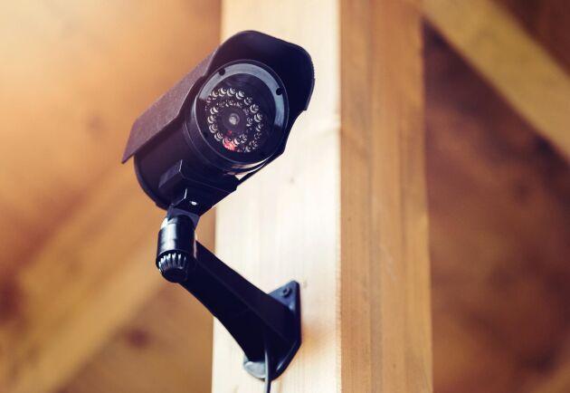 Via en högtalare på övervakningskamerorna kunde övervakningsfirman skrämma bort tjuvarna. Arkivbild.