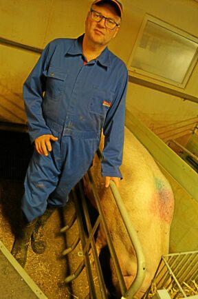 Niels Aage Arve, Krannestrup, producerar grisar med ett hjärta i djurvälfärdsmärkningen.