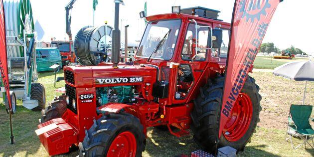Några få detaljer avslöjar att traktorn inte är klar