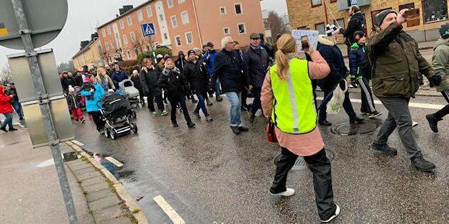 Hundratals marscherade för att behålla mejeriet i Boxholm