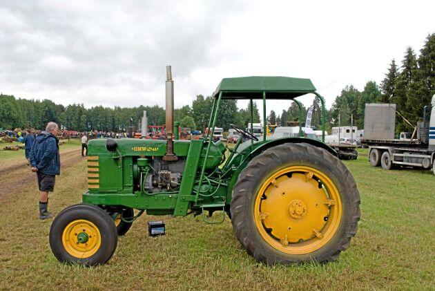 GMW. Den svensktillverkade traktorn lockade inte till så högt pris som man kanske kan tro.
