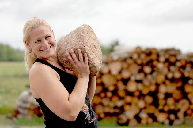 Lina Noaksson har ett eget gårdsgym. Här driver hon Farmers Fitness.