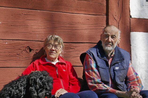 Birgitta och Eric Lilius trivs på sin gård Stora Tibbaröd i Röstånga.