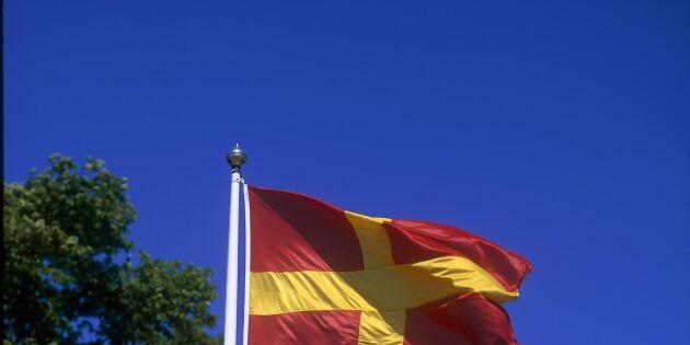Nu får den rödgula flaggan vaja officiellt i Skåne